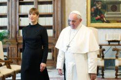 Папата Фрањо ја прими во посета естонската претседателка Керсти Каљулаид