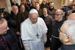 Папата во Гречо: Споделете радост со оние што се тажни и надеж со оние кои ја изгубиле