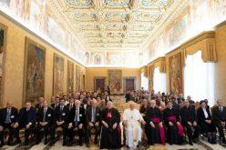 Папата Фрањо: Образованието е првична задача на Црквата