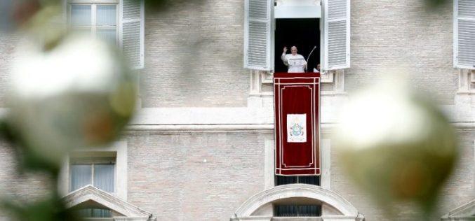 Папата Фрањо: Нека нашиот живот биде одговор на љубовта и служењето