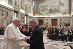 Папата Фрањо: Старите не се товар, туку богаство и ресурс