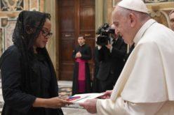 Папата до амбасадорите: Изградете поправеден свет