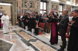 Папата Фрањо: Да ја цениме работата на рибарите и оние кои го чуваат морето
