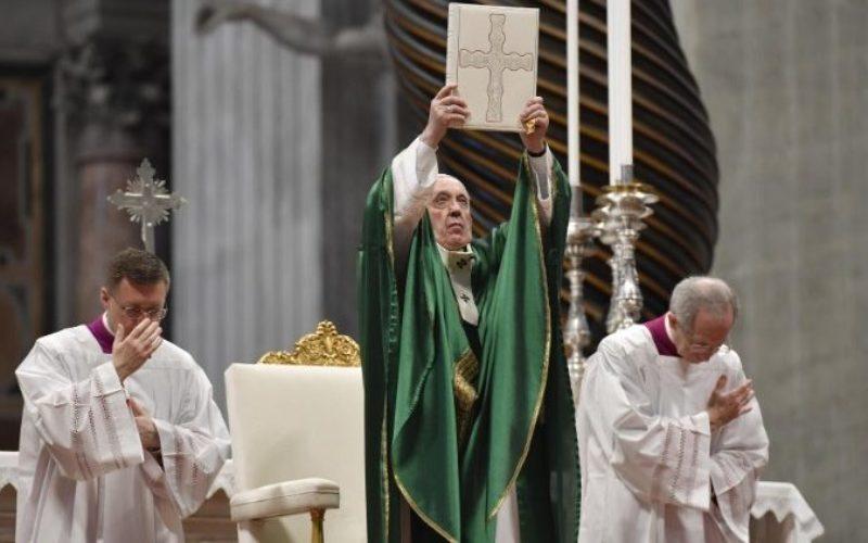 Папата Фрањо: Силата на Словото Божјо води од темнина во светлина