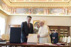 Папата го прими хрватскиот премиер Пленковиќ
