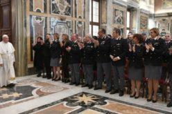 Папата се заблагодари на италијанската полиција за посветеното служење