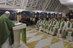 Света Марта: Постепеното попуштање пред световноста е отстапништво од верата