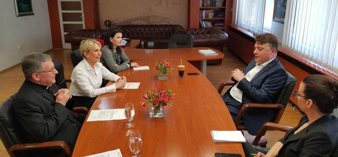 Бискупот Стојанов се сретна со граданачалникот Шилегов