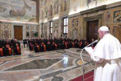 Папата Фрањо: Воспитувањето треба да биде сила која помирува