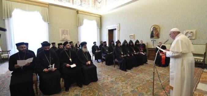 Папата до групата православни свештеници и монаси: Чувствувајте се како браќа меѓу браќата