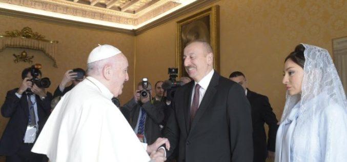 Папата Фрањо го прими во аудиенција азербејџанскиот претседател Илхам Алијев