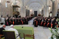 Папата: Реториката за судир на цивилизации служи само за оправдување на насилството