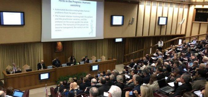 Папата: Вештачката интелигенција е дар, но е потребна алгор – етика