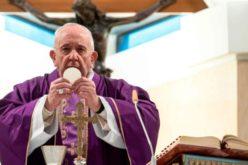 Папата Фрањо: Свештениците нека им носат на болните Причест