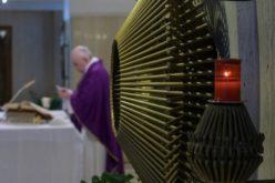 Папата Фрањо: Нека пастирите не дозволат Божјиот народ да се почувствува напуштен