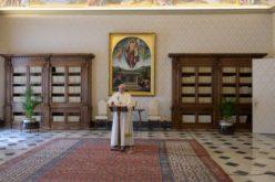 Папата Фрањо: Покажувајте го Христовото светло во својот живот