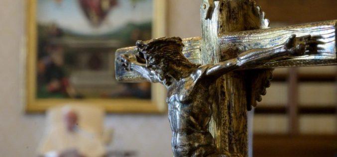 Папата: Евангелието на животот во срцето на Исусовата порака