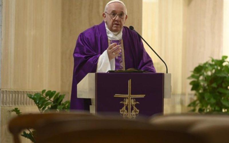 Папата поттикна на молитва до Господ за да ни помогне да го победиме стравот