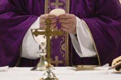 Молитва на Папата за оние кои овие денови плачат
