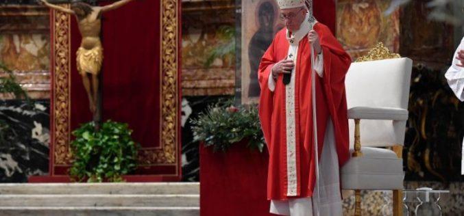 Папата Фрањо: Со вера да појдеме во Страсната седмица