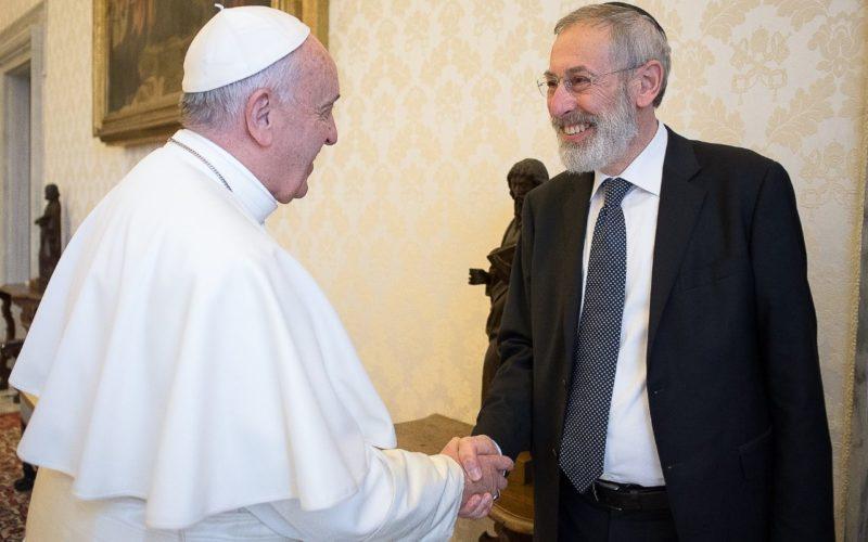 Папата Фрањо испрати порака до римската еврејска заедница за празникот Пасха