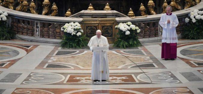 Папата на благословот Урби ет Орби: Не на егоизмот и поделбите, ова е време на солидарност