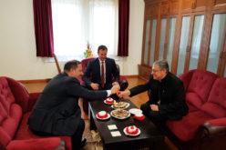 Бискупот Стојанов го прими премиерот Спасовски и директорот на Комисијата за верски заедници Сотировски