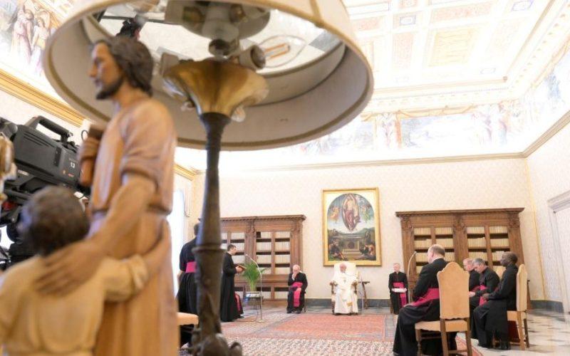 Папата: Не можеме да се грижиме за Земјата ако не ја сакаме и не ја почитуваме