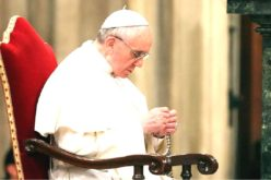 Папата повика да се моли Света Бројаница во месец мај
