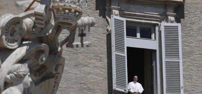 """Папата: Како учениците од Емаус да преминеме од """"ако"""" на """"да"""""""