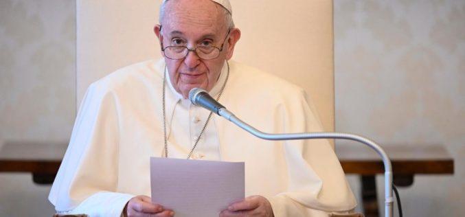 Папа: Да се одбијат компромисите и да се оди по патот на Исус Христос