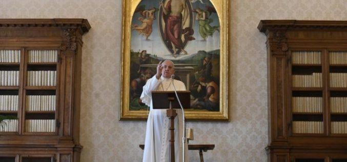 Папата: Мора да го разликуваме Божјиот глас од гласот на непријателот