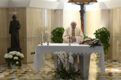 Папата Фрањо: Мир во семејствата, единство во Црквата