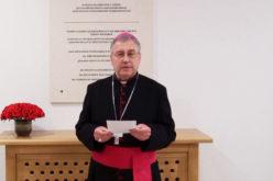 (Видео) Честитка на епископот Стојанов по повод Светскиот ден на акушерките и медицинските сестри и техничари