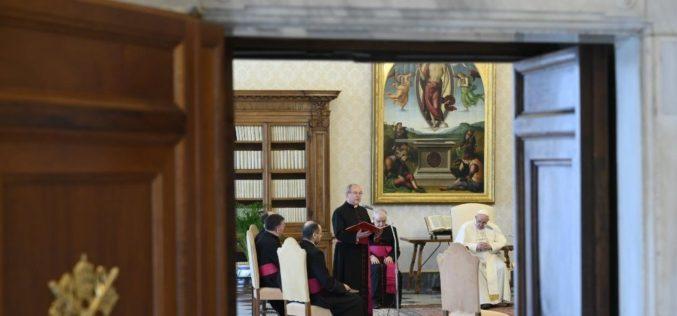 Генерална аудиенција: Молитвата е копнеж за средба помеѓу 'јас' и 'Ти'