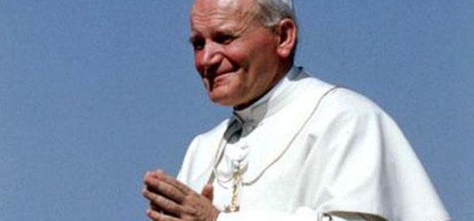 Папата упати порака до младите Полјаци на 100 роденден на свети Иван Павле II