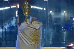 Објавена книга со мисли на папата Фрањо за живот после пандемијата