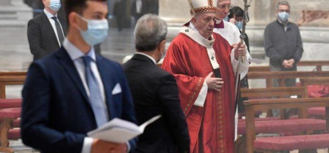 Папата на Педесетница: Светиот Дух е дар и поттикнува на дарување