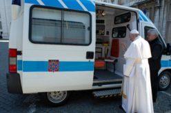 Нов подарок од папата Фрањо за бездомниците во Рим