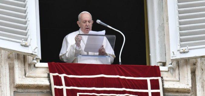 Светиот Отец апелира за мир во Либија