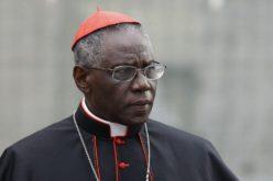 Кардиналот Сарах останува на својата должност и со навршени 75 години од животот
