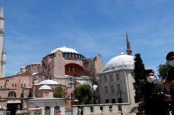 Турскиот суд ја одложи одлуката за пренамена на Аја Софија во џамија