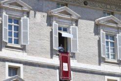 Папата ја поддржа резолуцијата на ООН за општ прекин на огнот