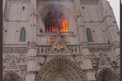 Пожар во катедралата во Нант