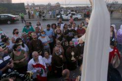 Процесија на улиците на Бејрут за Голема Богородица