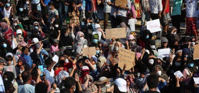 Папата Фрањо: Протестите нека бидат мирни и нека се слушне гласот на народот