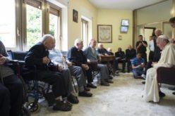 Папата Фрањо благодари на старите свештеници за нивното сведоштво