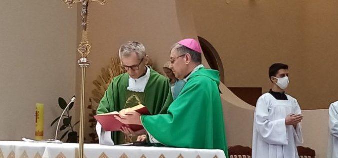Бискупот Стојанов го воведе дон Паво Шекерија во службата катедрален парох во Скопје