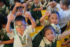 Милион деца се молат за да заврши здравствената криза