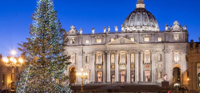 ЦНА јавува дека папата Фрањо божиќните свети Литургии во Ватикан ќе ги слави без верници